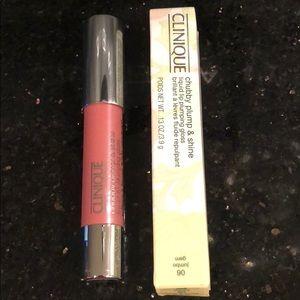 🎈Brand New Clinique liquid lip gloss 06